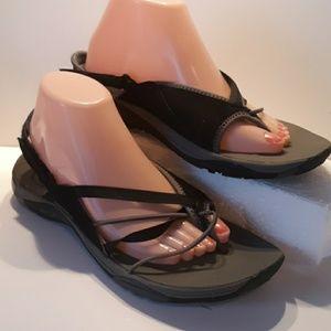 Merrell womans size 11 comfort sandals